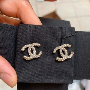 Brand New Chanel CC Classic Crystal Earrings💗2020